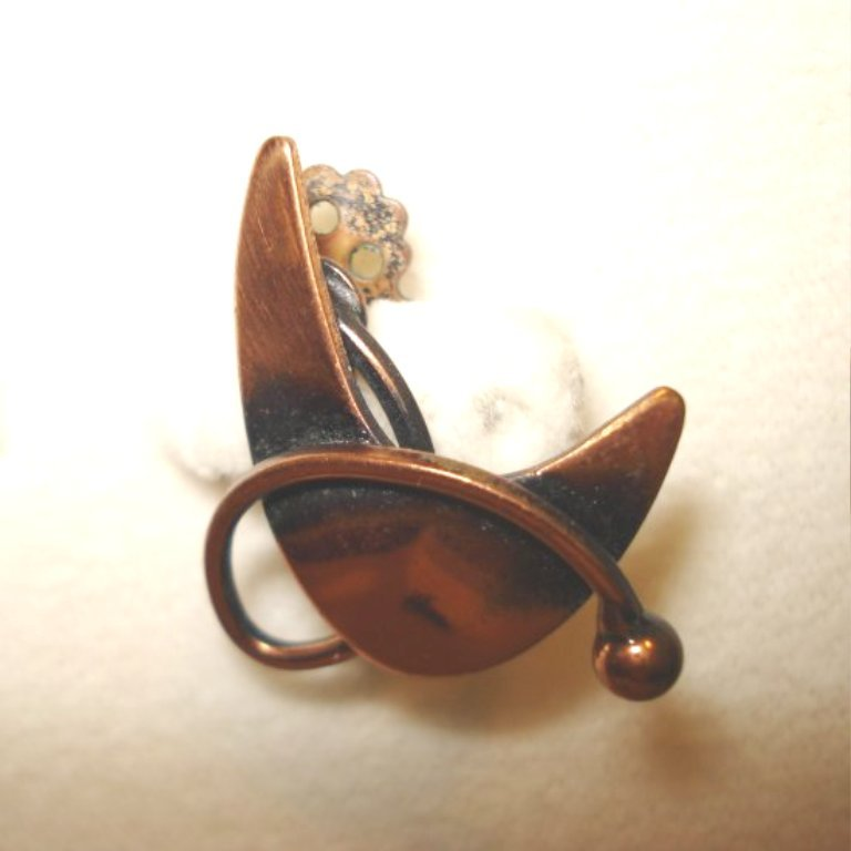 Vintage copper clip earrings boomerang orbitting planet ll2859
