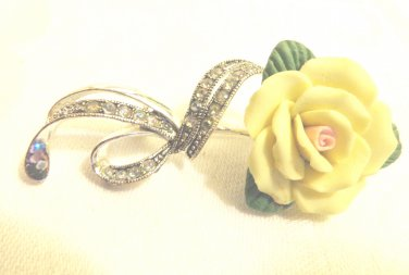 Avon yellow rose brooch bisque china marcasite silver tone vintage ll3496