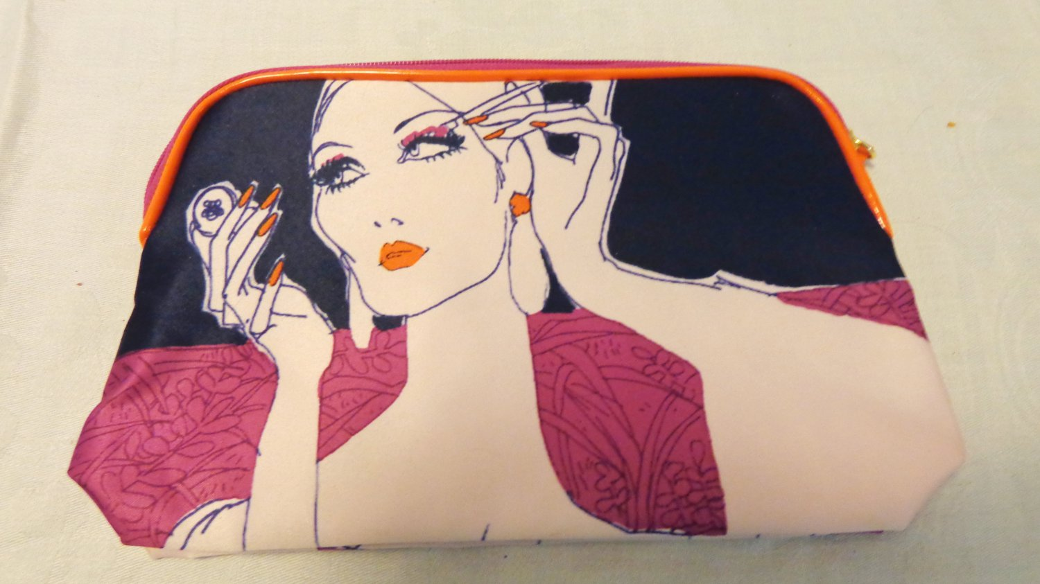 Estee Lauder cosmetic bag glamorous woman zipper lined unused preowned ll3523