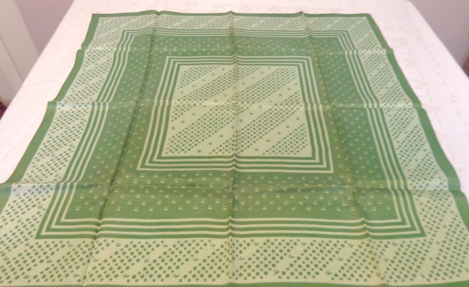 Green dots and squiggles square scarf synthetic excellent vintage ll3557