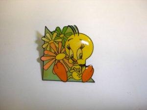 New cute Tweety Bird pattern #06 badge lapel hat pin birthday party gift