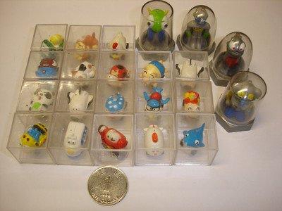 Used cute lot of 22 PCs mini robot car train etc.figures plastic diecast models