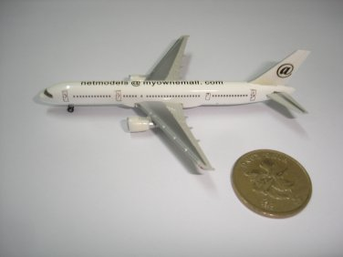 New white small airplane metal plane model diecast