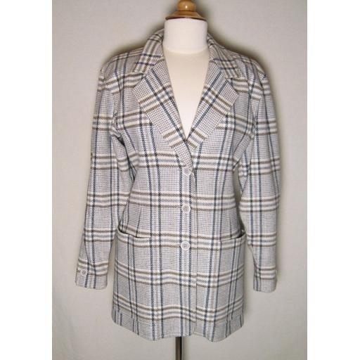 Elegant ESCADA Gray/Tan Plaid Jacket- GER 34/ US 6