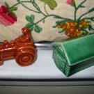 Tractor And Barn Souvenir Niagara Falls Salt And Pepper Shakers Vintage