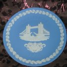 Wedgwood Christmas Collector Plate 1975 Tower Bridge With Box