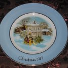 Avon Christmas Plate 1977 Carollers In The Snow Vintage With Box
