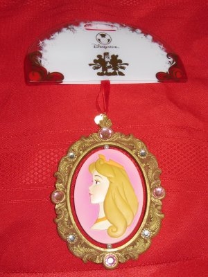 Disney Sleeping Beauty Cameo Ornament With Box Never Displayed