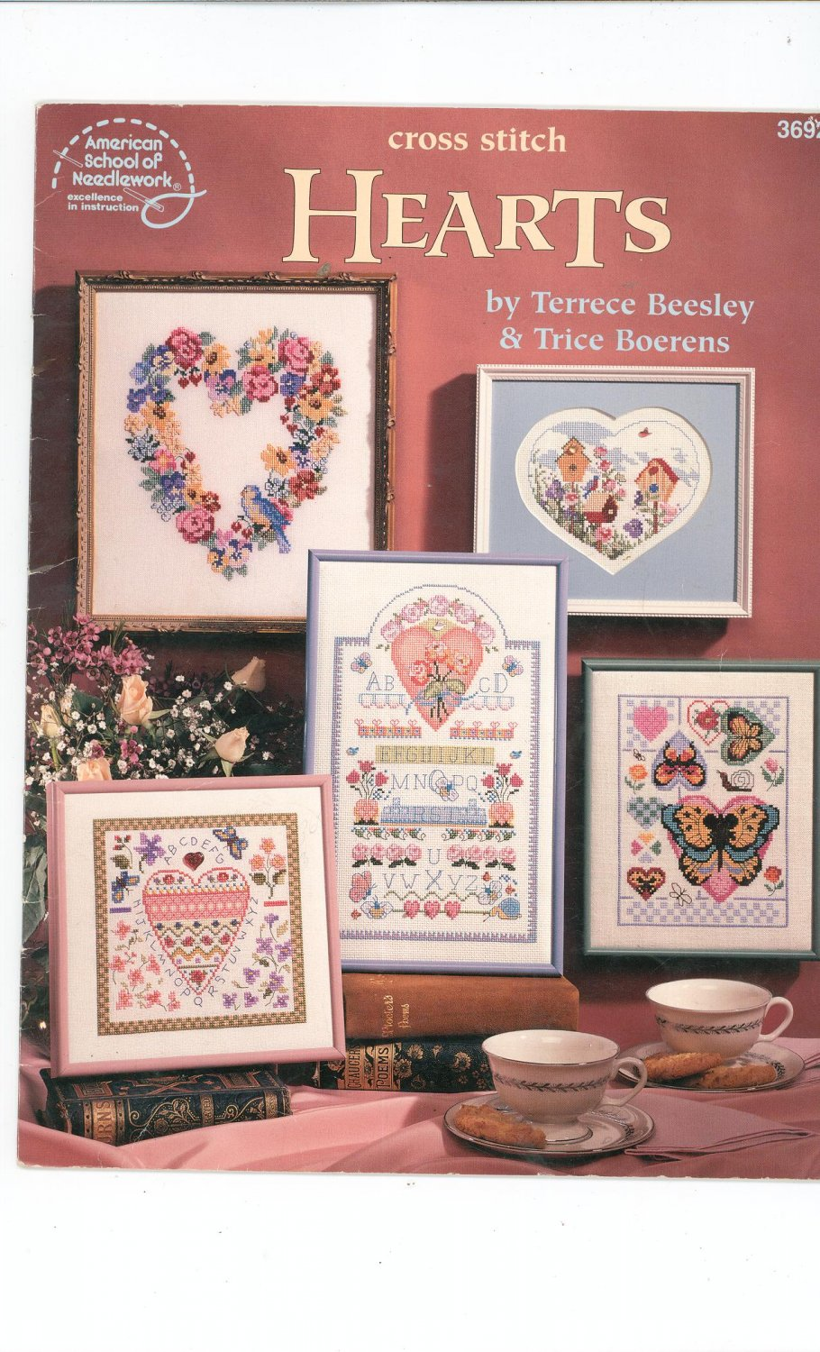 Cross Stitch Hearts by Terrece Beesley & Trice Boerens 3692  0881958158
