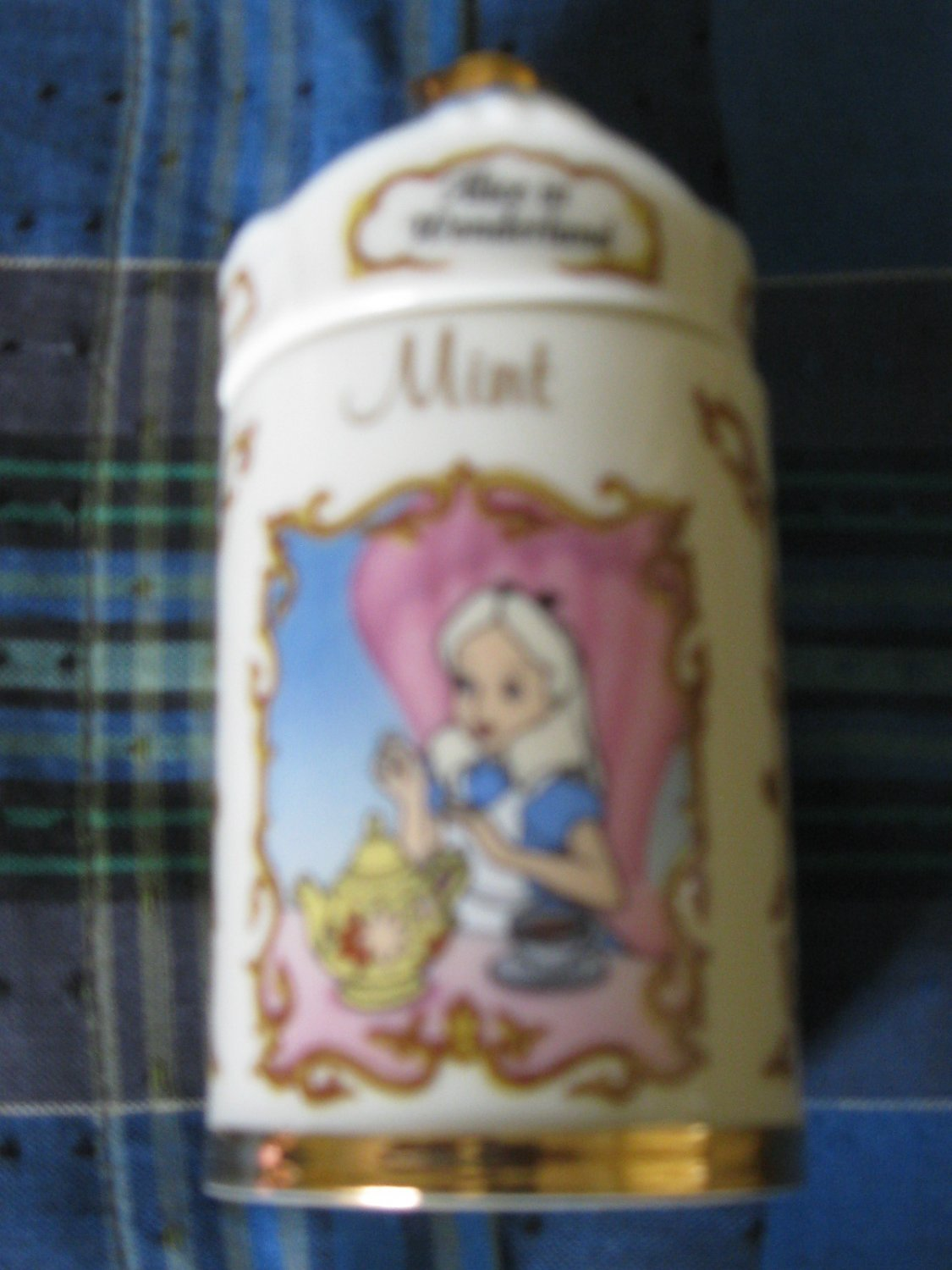Awesome Disney Alice in Wonderland Mint Spice Jar Lenox 1995 Collection