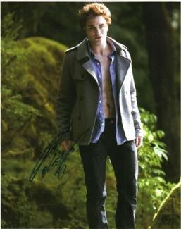 Robert Pattinson hand signed 8x10 Twilight