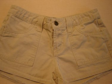 l.e.i. khaki shorts junior size 1 low rise excellent condition