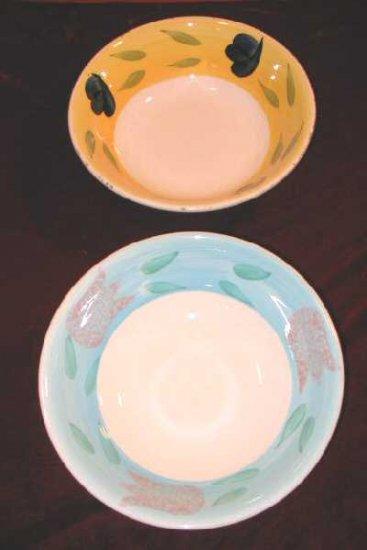 2 Vintage Ceramic Bowls Fruit Bowl Leaves Floral Italy