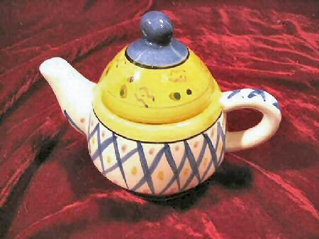 Fabulous New Bella Casa Ganz Hand Painted Tea For One Kettle