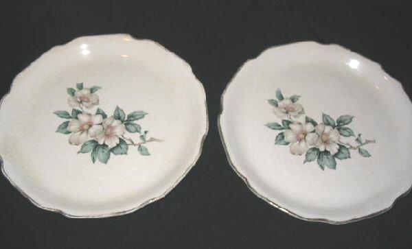 2 Vintage Sabin Dinner Plates SAB3 Warranted 22 K Dogwood
