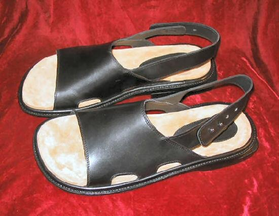 Mens Donald Pliner Sandals Black Leather 12M  NIB Italy