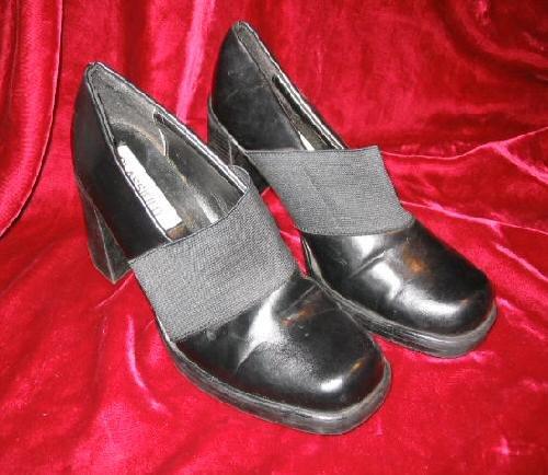 Womens Black Classified Vinyl Shoes Pump 6.5 Like New
