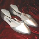 Like New Jasmin Silver Shoes Pump Heel Sandals 8.5