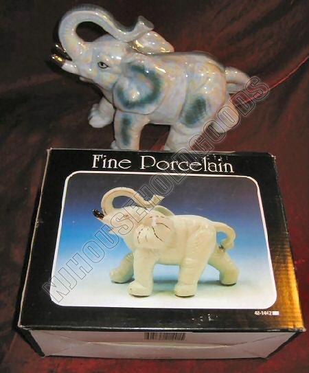 NIB Porcelain Elephant Gold Glaze Statue Figurine