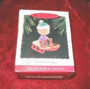 1995 Hallmark Keepsake Ornament The Peanuts Gang Linus