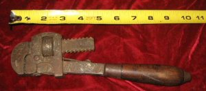Vintage Stillson Walworth #10 Pipe Wrench Wood Handle