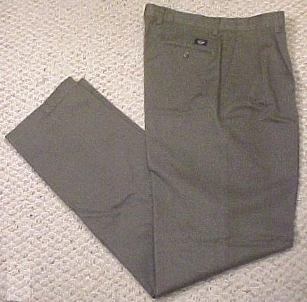 Dockers Classic Khakis Fit Green pleated Pants Size 54 X 32  Big Tall Men's Clothing 701891