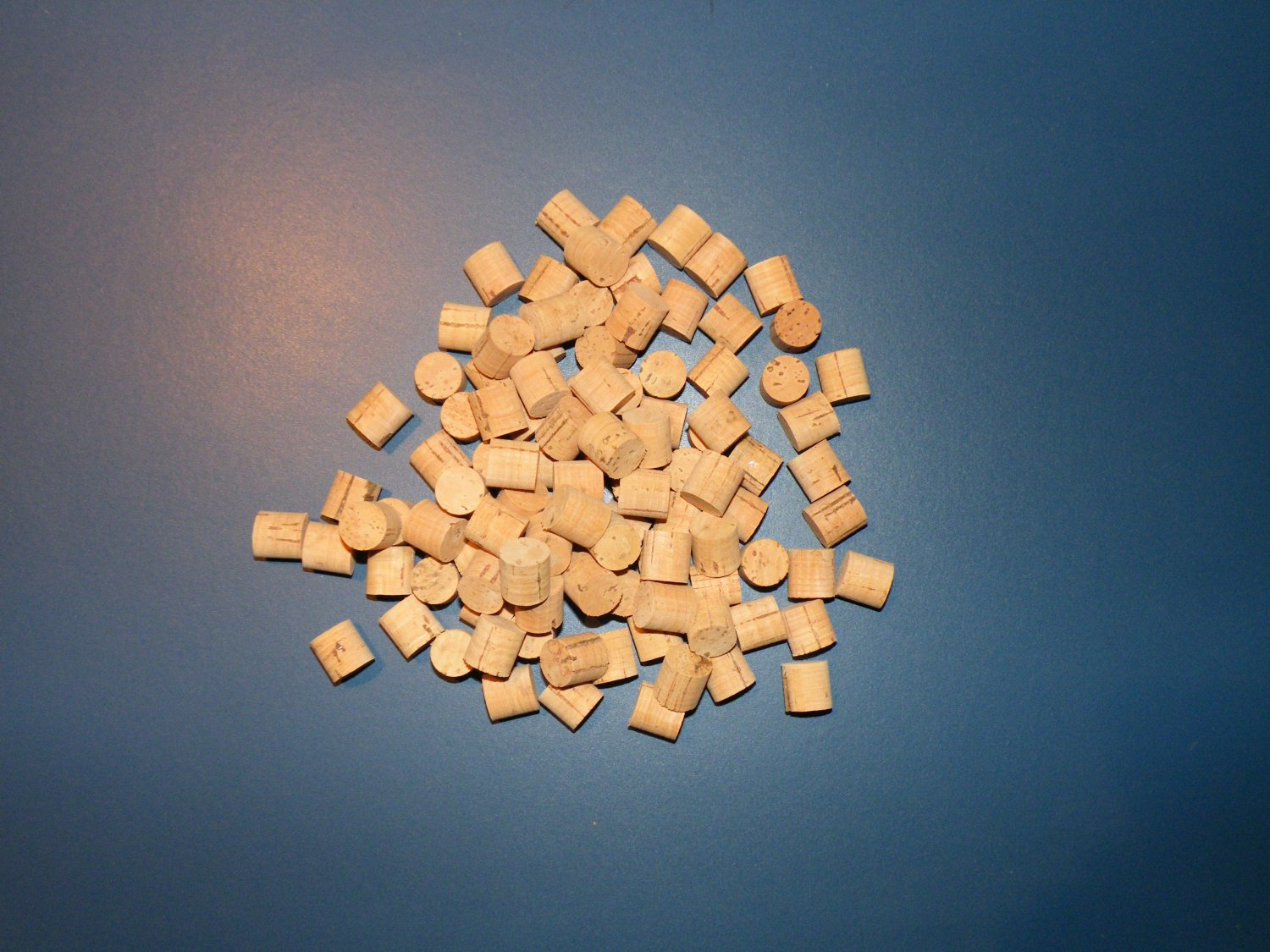 "50 CORK PLUGS/CORK STOPPERS 3/4""(DIAMETER)X1/2""(TICKNESS)"
