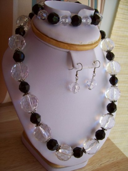 Black & Clear Plastic Beads w/ Bracelet and Earrings - Hand Made