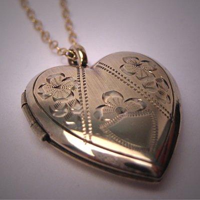 Antique Gold Locket Engraved Heart Vintage Victorian