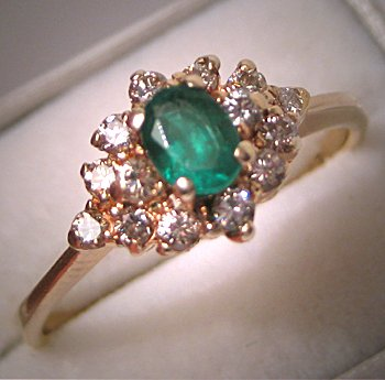 Vintage Emerald Diamond Ring Estate Gold Wedding Ring Idea
