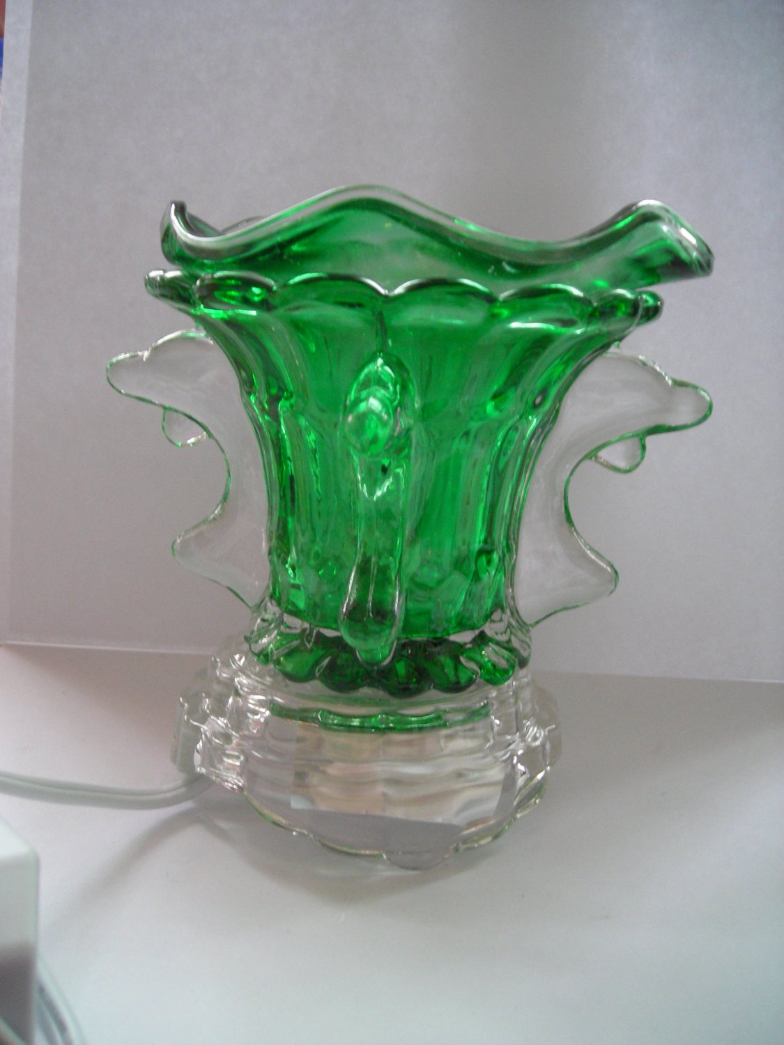Green Dolphin Crystal ELECTRIC OIL WARMER
