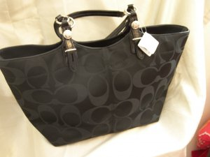 BRAND NEW COACH 24CM SIGNATURE SATEEN TOTE Style #16175 NWT