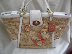 Brand New COACH WEEKENDS HAMPTONS Straw Flower White Leather TOTE PURSE BAG - Style #19347