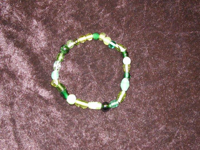 Green Glass Bead Bracelet: Stretch