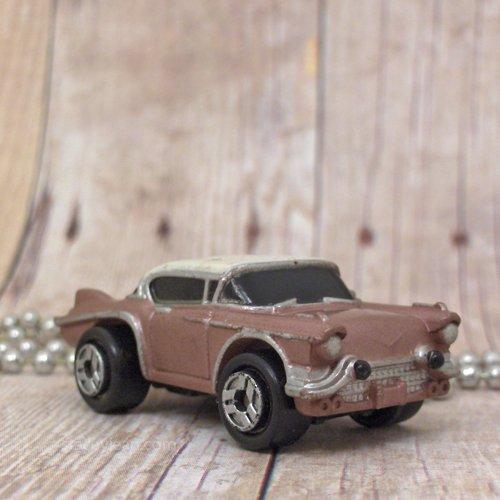 1958 Cadillac Seville : Necklace : Mauve