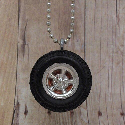 Orange : Wheel Necklace