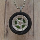 Green : Wheel Necklace
