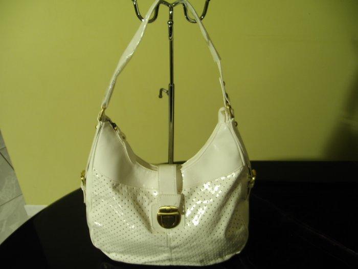 P102224 White Bag