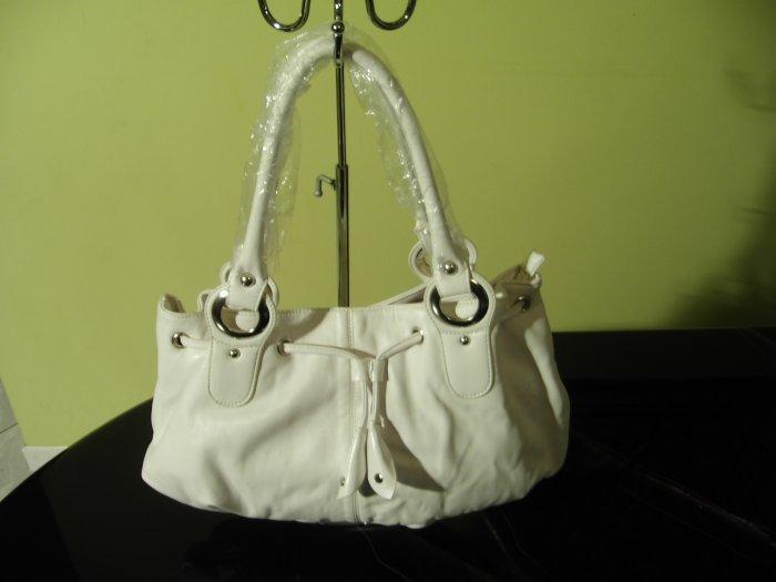 P112324 White Handbag