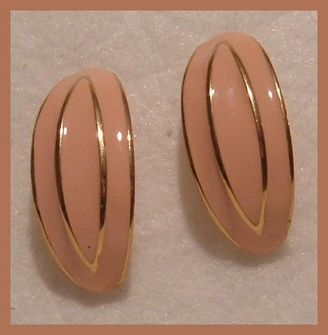 PEACH ENAMELED GOLDTONE PIERCED EARRINGS NOS VINTAGE