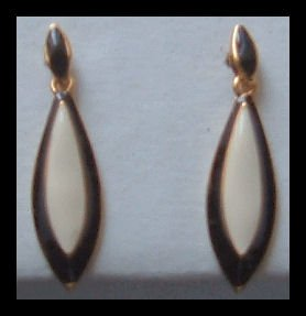 "BLACK & WHITE ENAMELED DANGLE GOLDTONE PIERCED EARRINGS 1.25"" VINTAGE 1980s"
