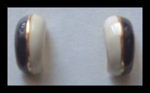 "BLACK & WHITE ENAMEL GOLDTONE HUGGIE PIERCED EARRINGS .75"" VINTAGE 80s"