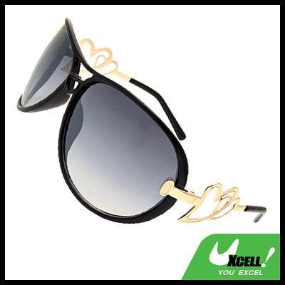 Oversized Women's Aviator Sunglasses Heart Design Black Frame
