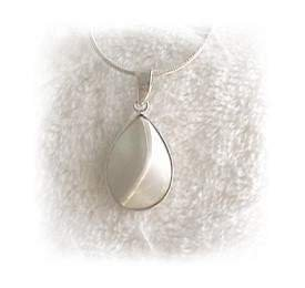 Genuine Mother of Pearl Pendant w/ Chain SS New