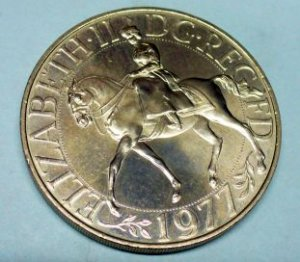 1977 GREAT BRITAIN 25 New Pence KM# 920