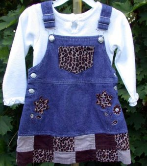 Toddler Dress.Jumper  2T Young Hearts