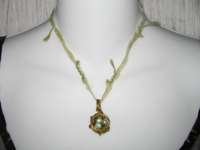 NEW Ever & Anon Whimsical Robin Birds Nest Pendant Necklace