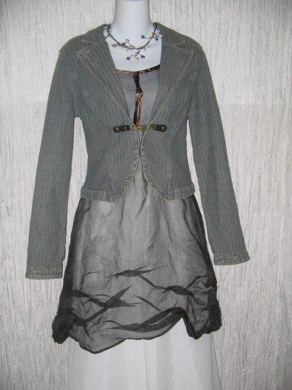 Fabulous DKNY JEANS Shapely Denim Button Jacket Large L