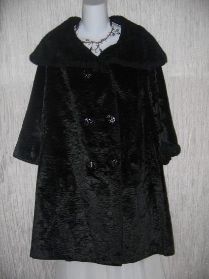 Vintage Long Black Velvet Coat w Faux Fur Trim OS