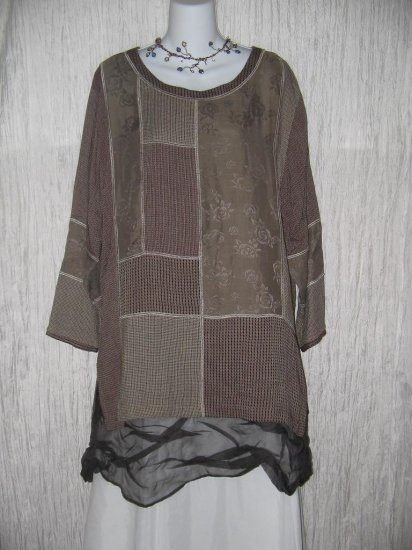 Nothing Matches Art to Wear Long Patchwork Tunic Top Shirt M